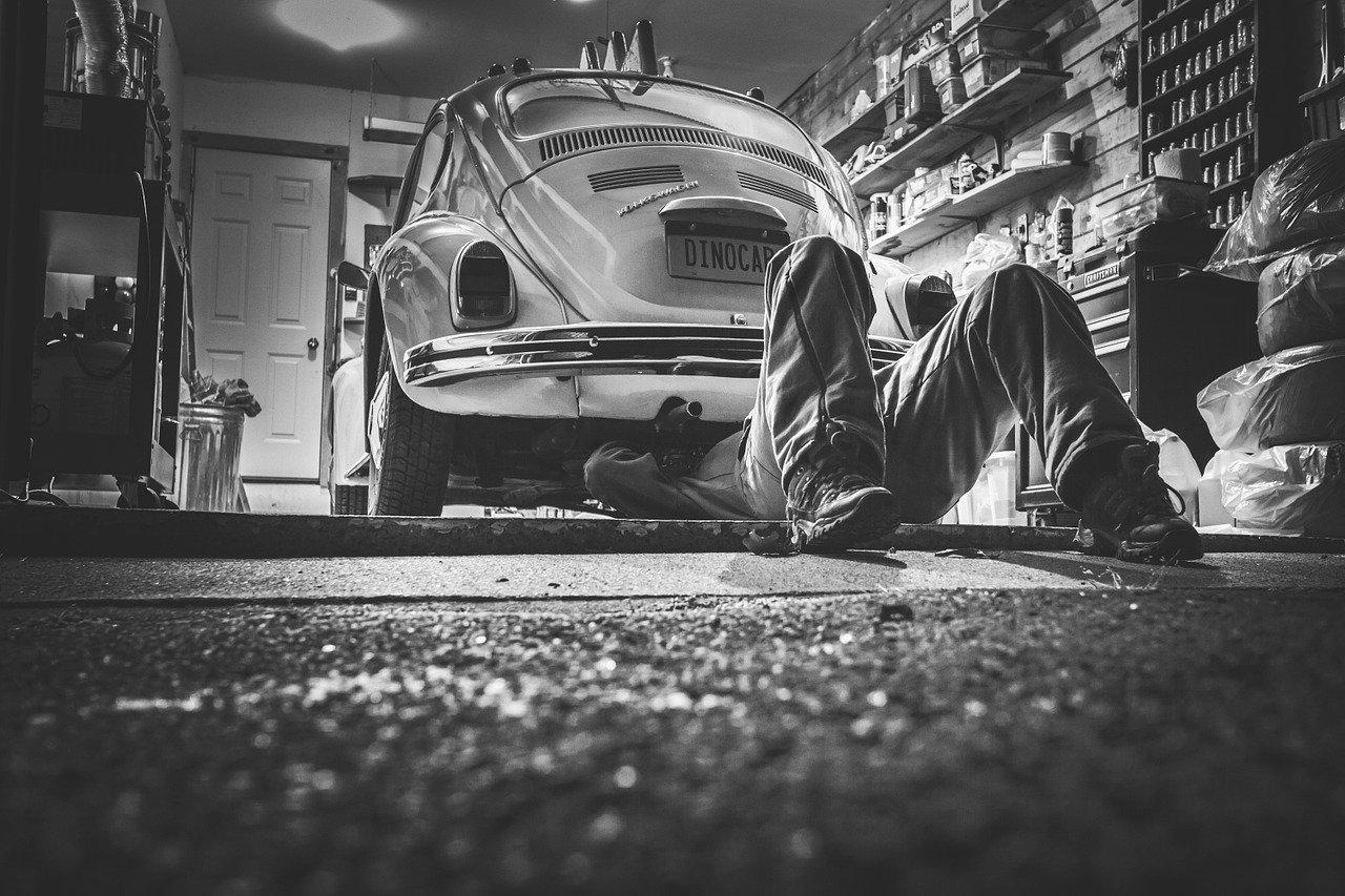 Dlaczego warto garażować samochód?
